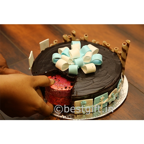 Oye happy gift in a cake bestgift best gifts in hyderabad negle Images
